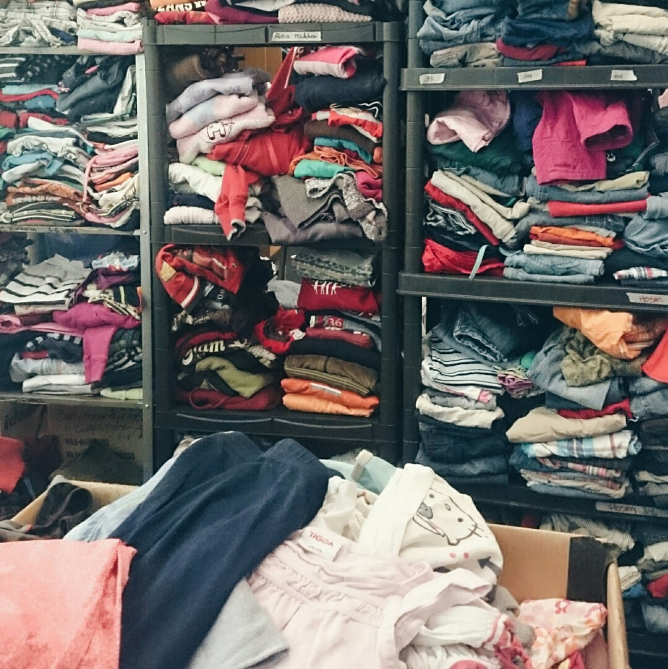 Kleiderkammer Flüchtlingsunterkunft