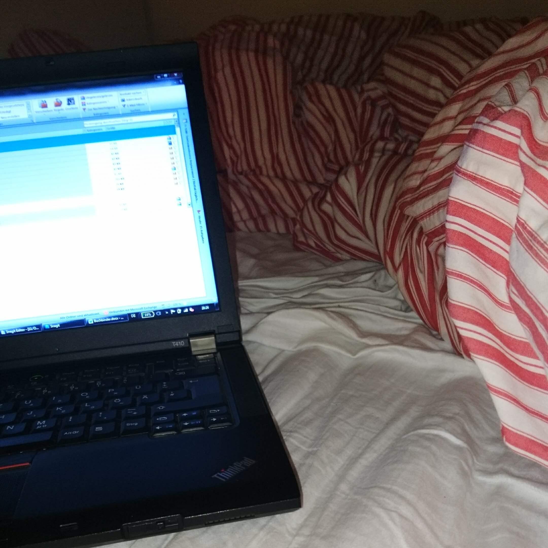 Bett Laptop